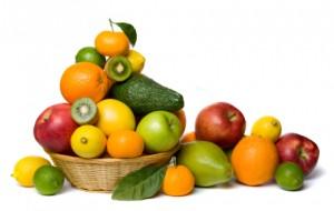 Panier rempli de fruits frais